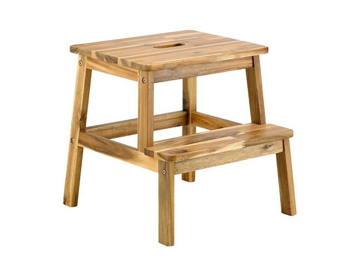 Ghế bậc thang 2 bậc giúp bạn dễ dàng lấy đồ vật ở trên cao